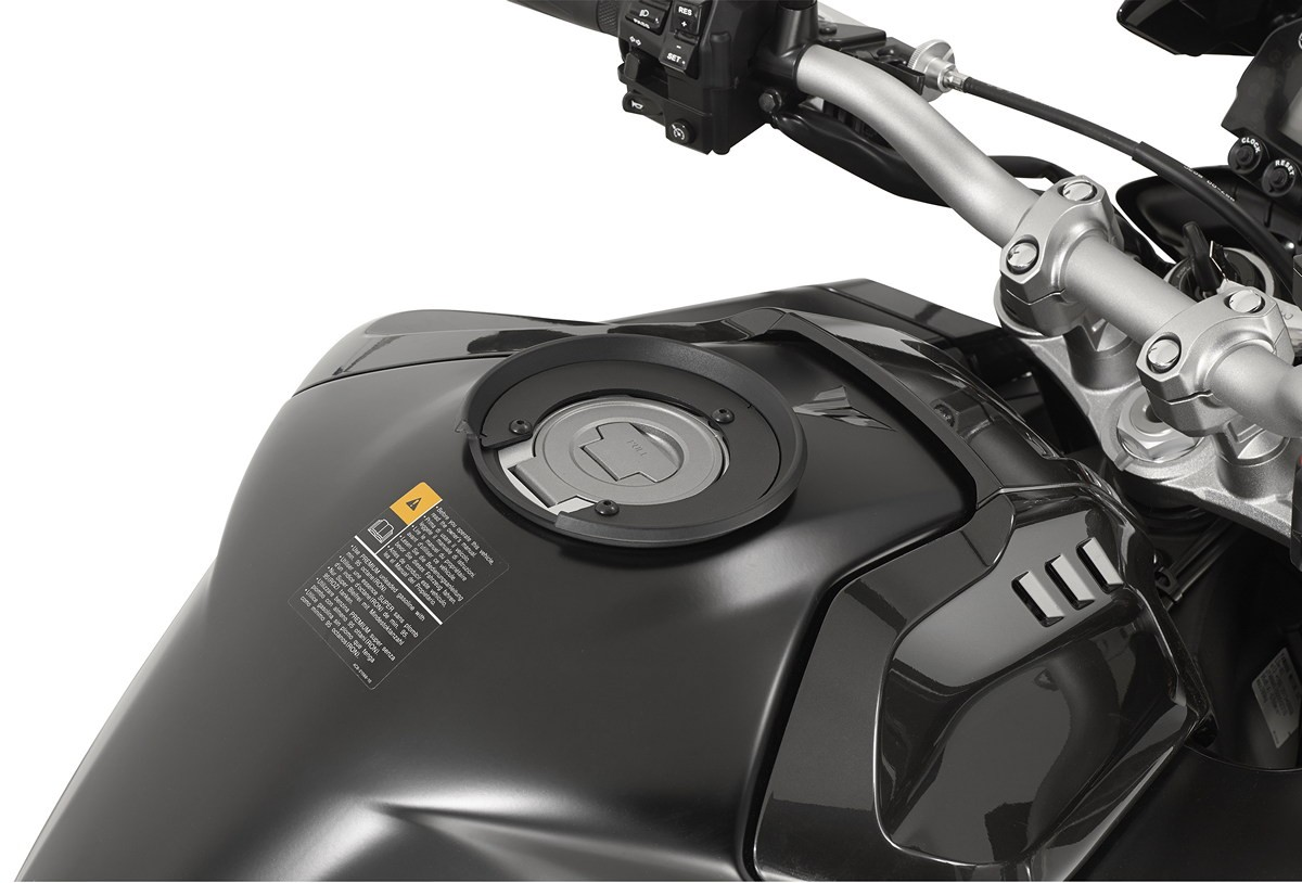 Specific flange for fitting the Tanklock tank bags GIVI (BF27)